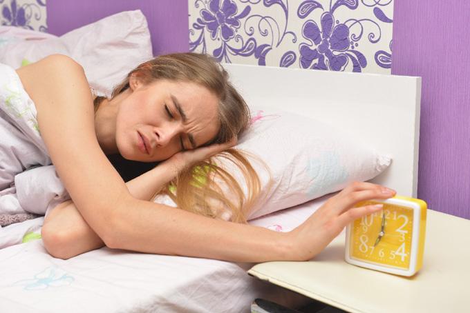 朝起きると腰が痛いのはなぜ? 寝起きと腰痛の関係